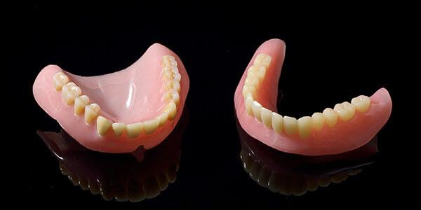 保険適用治療での入れ歯